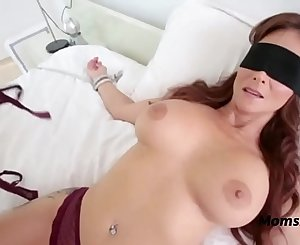 Blindfolded Mommy Thinks It's Her Hubby