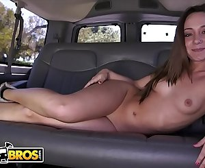 BANGBROS - It's The Reverse Bang Bus With PAWG Remy LaCroix!